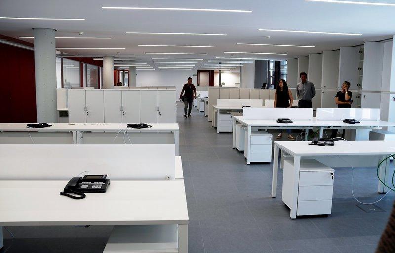 08 juny 2017 el nou edifici de la generalitat a l ebre for Oficina atencio al ciutada