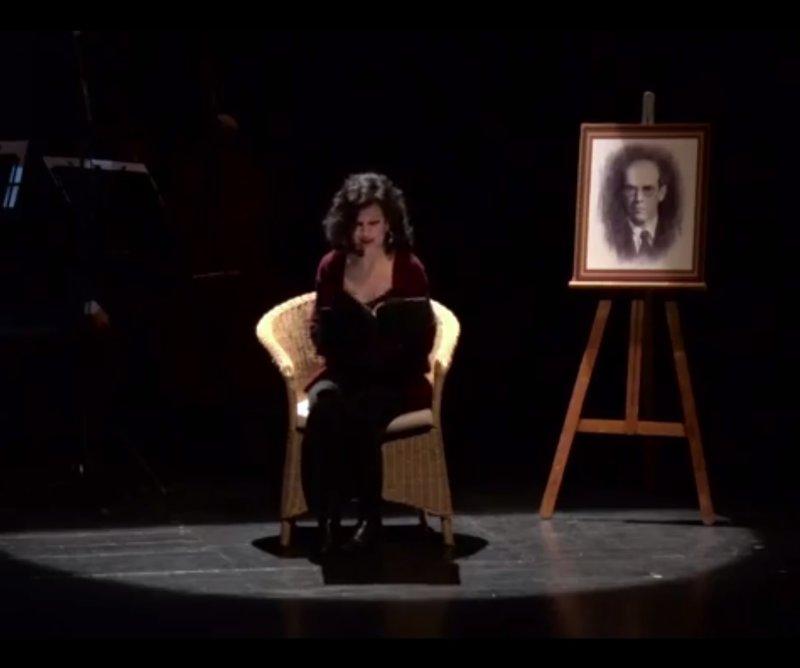 Imatge d'Anna Farriol, en un moment de l'espectacle 'Més Bertrana, més', que arribarà a l'Auditori dimarts que ve.