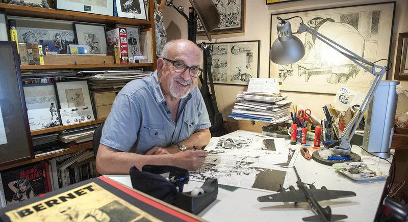 Imatge de Jordi Bernet, al seu estudi.
